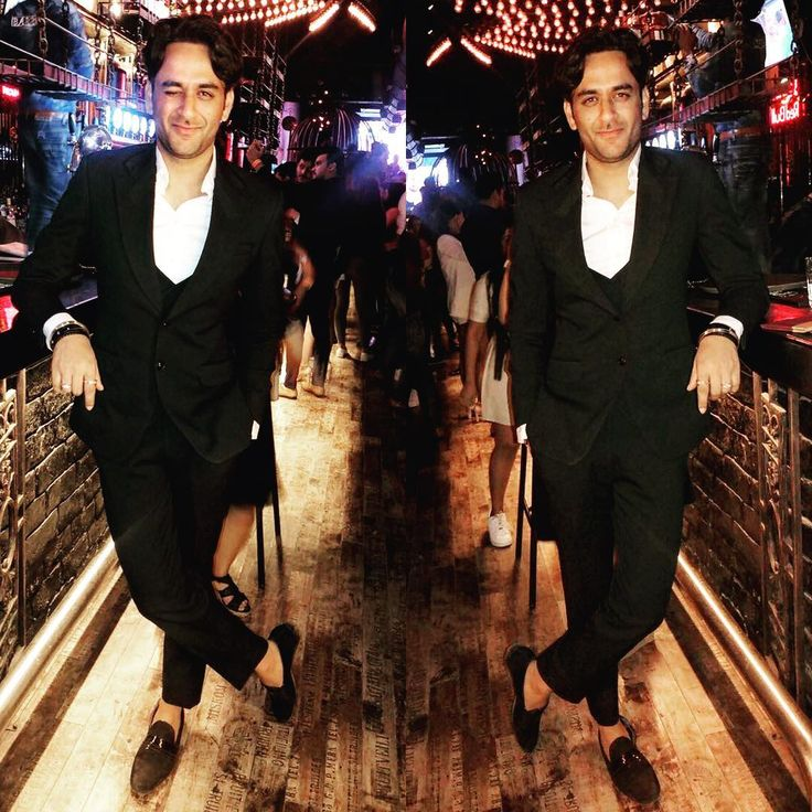 """7,243 Likes, 189 Comments - Vikas Gupta (@lostboyjourney) on Instagram: """"To wink or Not To Wink 😉 #suited for an event in Navi Mumbai and than a late nite munching…"""""""