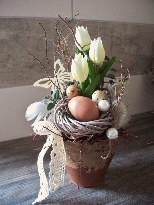 Weiteres - Ostergesteck mit weißen Tulpen,natürlich - ein Designerstück von die-mit-den-blumen-tanzt bei DaWanda