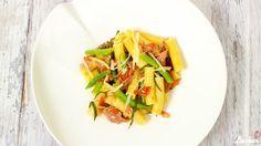 Rezept für Rigatoni mit Buschbohnen in Salbeibutter mit Pecorino und Kirschtomaten
