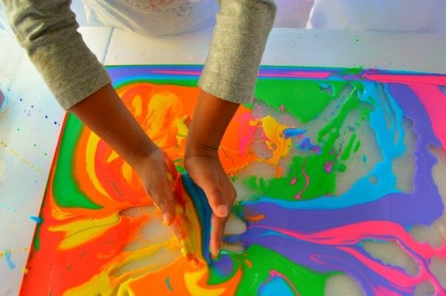Cornstarch, water, colour creates an easy way to enhance the water in your water table! The kids can mix the colours and see what other colours they can make.