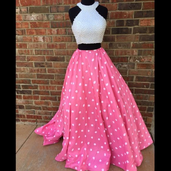 Sherri Hill *new* sz 6 pink &white polka dot dress Sherri Hill two piece pink & white polka dot dress new with tags. No PayPal, trade, or off posh sales. Sherri Hill Dresses