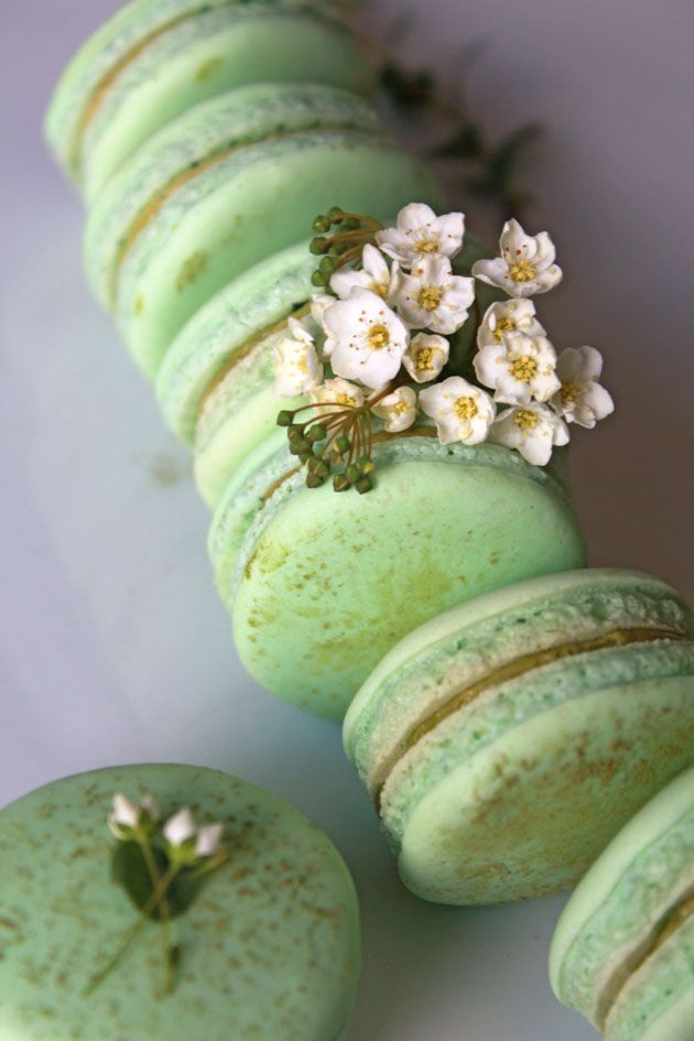 Matcha Green Tea Macaron Recipe #Green_Tea #Macaron #Recipes