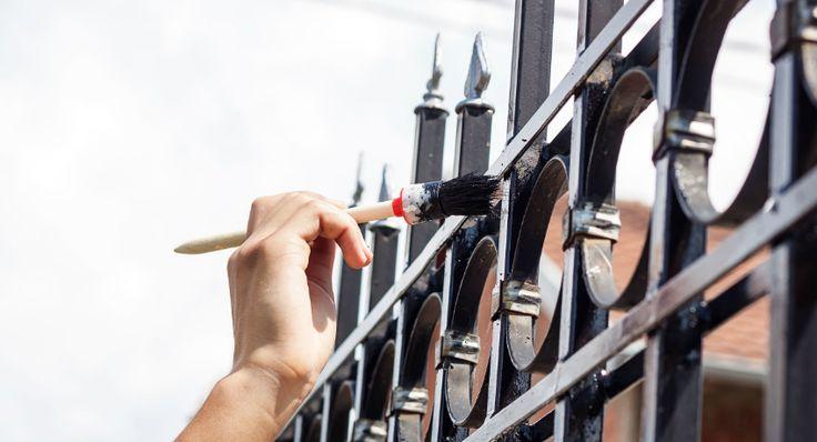Краска по металлу для наружных работ: виды составов, их преимущества и недостатки http://remoo.ru/materialy/kraska-po-metallu-dlya-naruzhnyh-rabot/
