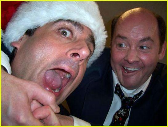 Quand on se met à faire des selfies entre collègues sous prétexte que c'est Noël http://lattesanssucre.com/la-soiree-de-noel-de-lentreprise/