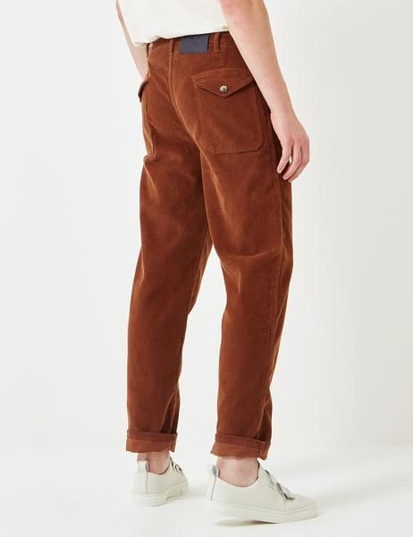 "The Bleu De Paname Suedois cord trousers in Brown from the Bleu De Paname bottoms Fall/Winter 2017 collection. The Suedois ""Swedish"" pants are made from cotton"