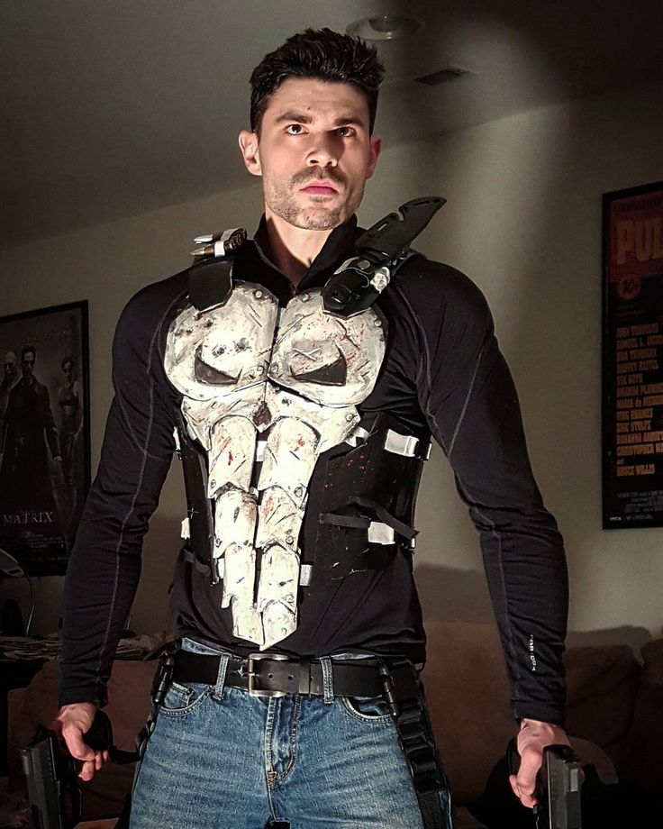Dynamite Webber Cosplay:   @therealjonnybernthal absolutely killed it as #frankcastle  I'm gonna keep upgrading my own punisher costume and wear it to a con soon!  #punisher #frankcastle #marvel #netflixdaredevil #marveluniverse #welcomebackfrank #cosplay #dynamitewebbercosplay