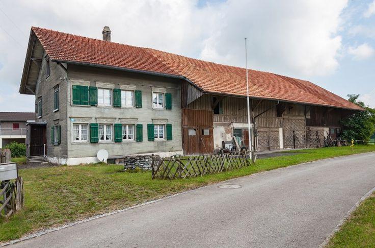 Bauernhaus/Scheune mit Baulandreserve