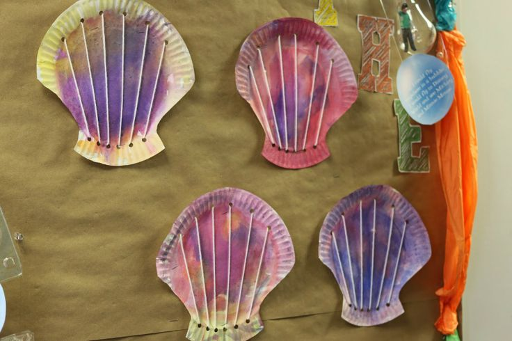 Making Shells to practice fine motor control and sequencing through threading!