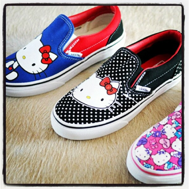 Hello Kitty Vans mmm Nena and I need to match!