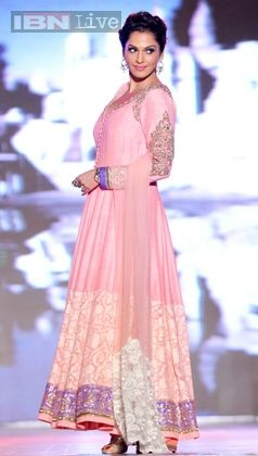 Isha Koppikar at  http://www.ManishMalhotra.in/landing/ show to 'save and empower the girl child' @ Feb, 14