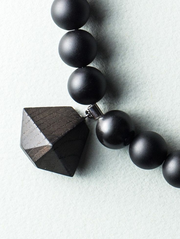 Beaded D Necklace by Carla Szabo #jewelry #design #details