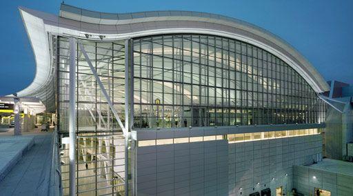 Cheap Hotels Near Pearson International Airport