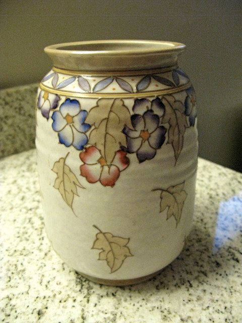 Charlotte Rhead Bursley Ware art deco vase, 1930s, perfect condition, signed