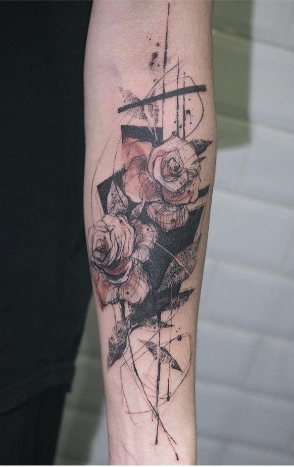 Tattooer Nadi rose tattoo