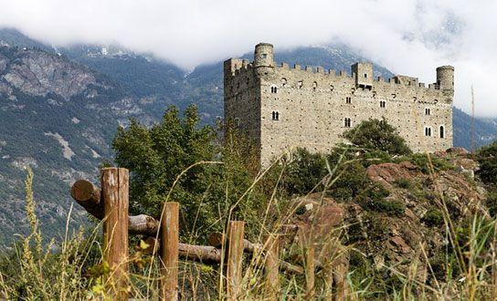 Was die Region Aostatal für einen Urlaub in Italien anzubieten hat. Reiseziele, Sehenswertes, Highlights, Naturschutzgebiete und regionale Küche. http://www.italien-inseln.de/italia/aostatal-valle-d-aosta/urlaub.html