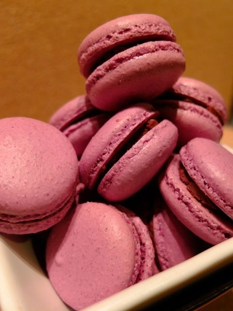 blackcurrant macaron with grape jelly and chocolate ganache!