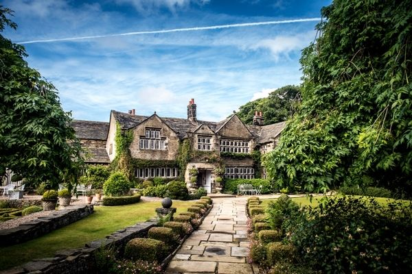 Holdsworth House is a grand 17th century Jacobean Manor standing three miles North of Halifax in a typical West Yorkshire landscape of moors and mills. It provides a haven of peace and quality in an age when it is too often forgot.