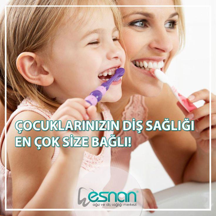 Çocukların ağız ve diş sağlığından en çok ebeveynleri sorumludur. Öncelikle ebeveynlerin kendi ağız ve diş sağlıklarına özen göstererek çocuklarına örnek olmaları gerekir. Ayrıca pedontistlerden çocuklarınızın sağlığı için gerekli hijyen kurallarını öğrenmeniz ve uygulamanız gerekir. Rutin kontrollerle diş hekiminiz gerekli diğer işlemleri zaten yapacaktır. Sizin ve çocuklarınızın diş sağlığı için şubelerimize bekleriz. www.esnan.com.tr #esnan #pedodonti #diş #istanbuldiş #dişhastanesi…