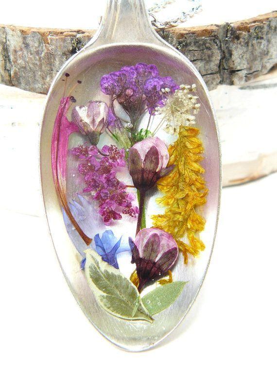 Real Flower Jewelry Pressed flowers in Resin Spoon by BloomSpoons