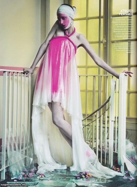 Supermodels.nl Industry News - Zuzanna Bijoch in 'Peak Sewing'...