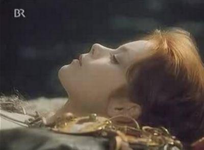 MALÁ MORSKÁ VÍLA (the Little Mermaid) - with Miroslava Safránková (Czech, 1976) - float, dream, let go and something will happen.