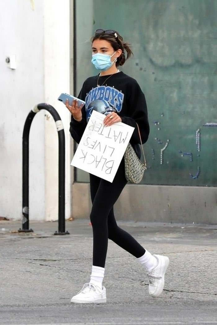 Madison Beer Carries A Handmade Black Lives Matter Sign Nike Socks Outfit Madison Beer Outfits Sock Outfits