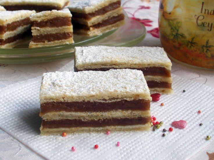 Hamis leveles tészta, finom kávés-karamellás krémmel töltve- egyszerre édes és sós élvezet