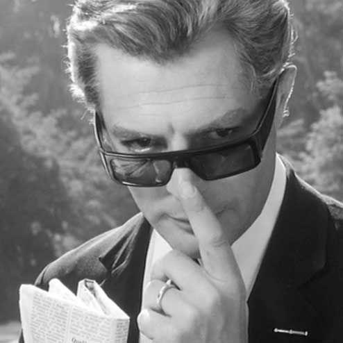 Marcello Mastroianni in 8 e mezzo (1963)