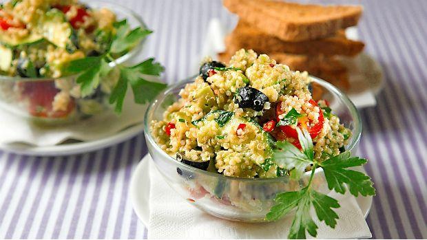 Salát s quinoou a avokádem Foto: