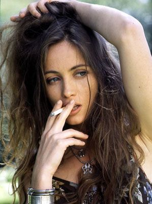 Cute Girl Smoking Wallpaper Emanuelle Beart Famous For Mamon De Source And Un Coeur