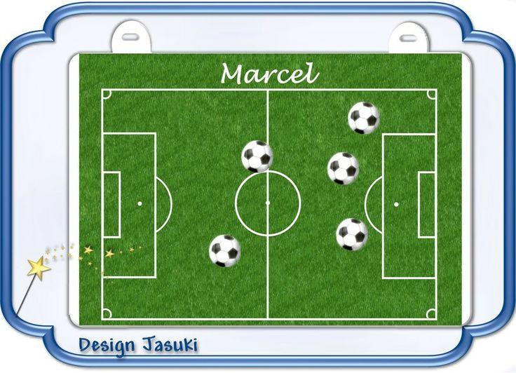 Magnettafel Fußballfeld mit 6 Magnetbutton von Jasuki auf DaWanda.com