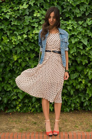 belted polka dot dress / denim jacket / bright sandal heels