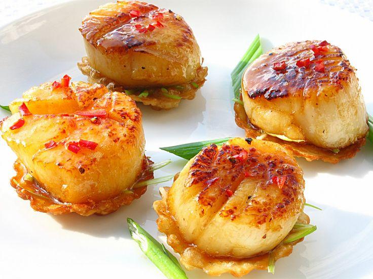 Bouchée de pétoncle au miel sur Won ton - Recettes - Recettes simples et géniales! - Ma Fourchette - Délicieuses recettes de cuisine, astuces culinaires et plus encore!