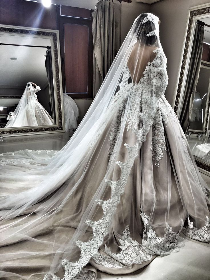 Gelinlikte sanat arayanların tercihi, Nova Bella Nişantaşı #gelinlik #gelinlikmodelleri #gelin #düğün #nisantasi #straplezgelinlik #prensesgelinlik #straplez #moda #fashion #fashion_arabia #fashiondubai #beauty #beatiful #whitewedding #osmanbey #laleli #evleniyorum #2016fashion #rumelicaddesi #novabellagelinlik #dubaifashion #newyork #hautecouture #couture #sonmoda #wedding #modacı#moscowfashion #gelinlikciler