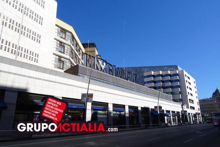 El Triangle, Barcelona. Grup Actialia ofrece sus servicios en Barcelona: Diseño web, Diseño gráfico, Imprenta y Rotulación. www.grupoactialia.com