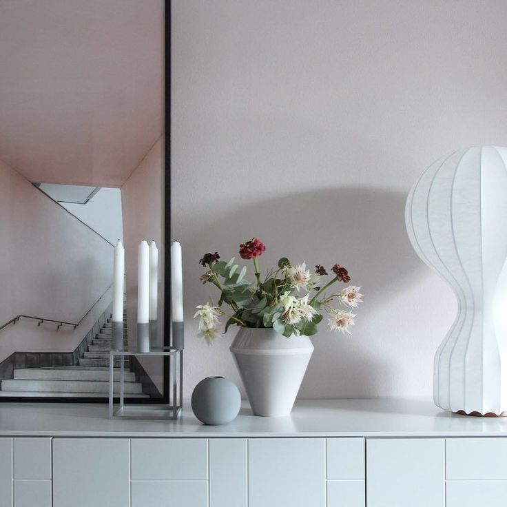 Kubus 4 candleholder and Rimm vase in cool grey. Photo by  @catcooee