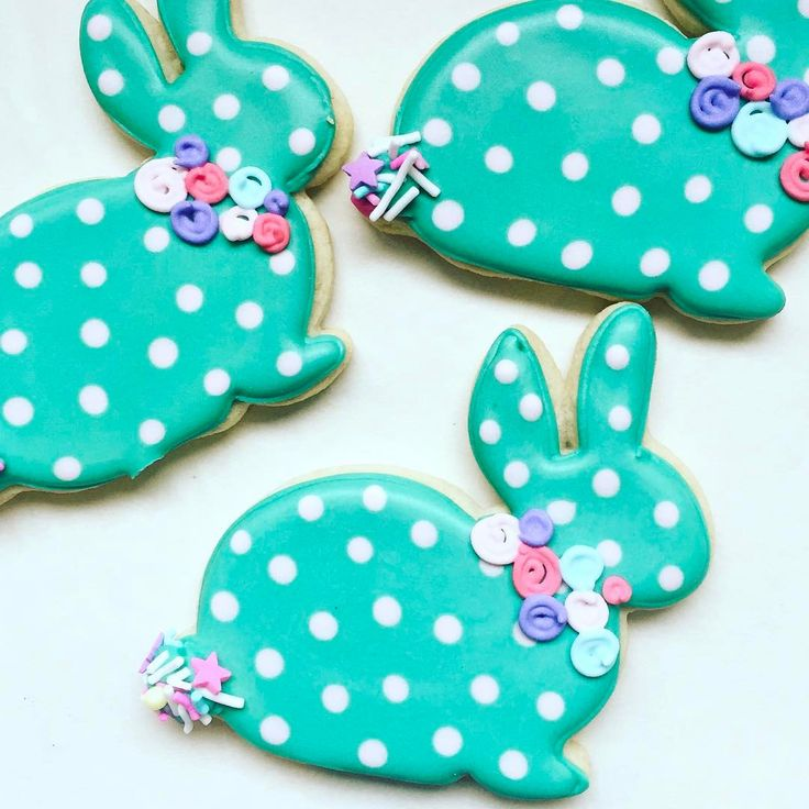 "83 Likes, 4 Comments - Sarah DeClerk (@annpotterbaking) on Instagram: ""My Easter class is right around the corner! Message me or leave your email below for details!…"""