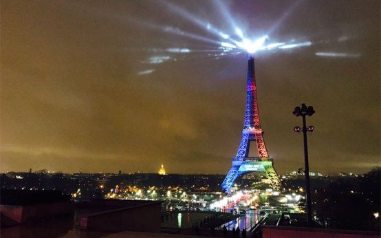 """Paris 2024 Olympic Bid Goes International With """"Made For Sharing"""" Slogan"""