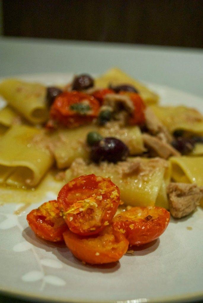 Schiaffoni con tonno, olive nere, capperi e pomodorini gratinati | Barbie magica cuoca - blog di cucina