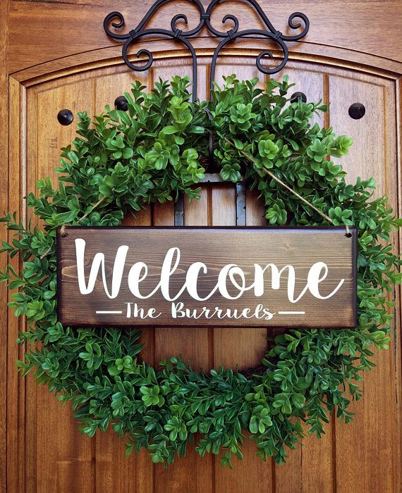 ********************************************************************************* Welcome Wood Front Door Sign Personalized with Last name hanging with jute twine *WREATH NOT INCLUDED* • Handmade, painted wood sign. Lettering is painted on. (No vinyl or stickers on sign whatsoever)
