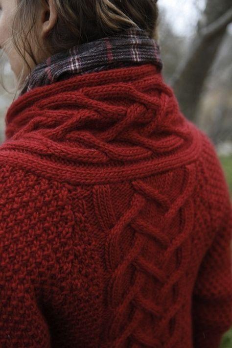 Knitulator sucht Ideen für #Zopfmuster: #Zopfmusterjacke #Jacke #Zopf #Zöpfestricken #Zöpfe #stricken #Jacke #Jackenkragen #Strickapp www.knitulator.com