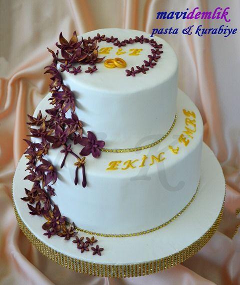 mavi demlik mutfağı- izmir butik pasta kurabiye cupcake tasarım- şeker hamurlu-kur: MOR ÇİÇEKLİ NİŞAN PASTASI