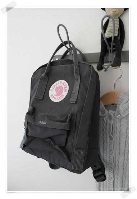 White featherdream/Fjallraven mini kanken
