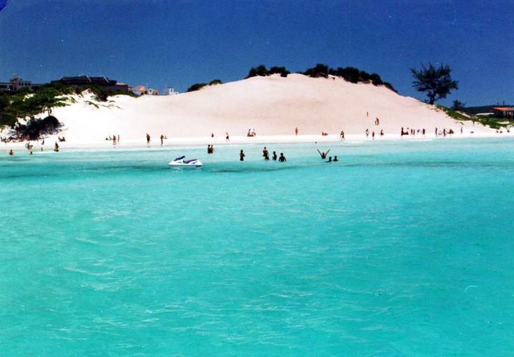 A praia de Jericoacoara é parte integrante do Parque Nacional, que fica no município de Jijoca de Jericoacoara no Ceará.- Praia do Espelho