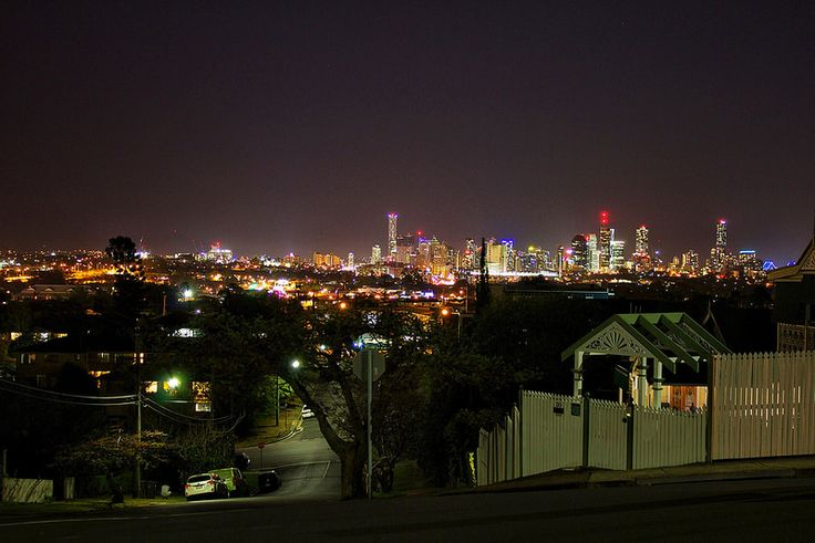 Brisbane at night © Aaron Watson