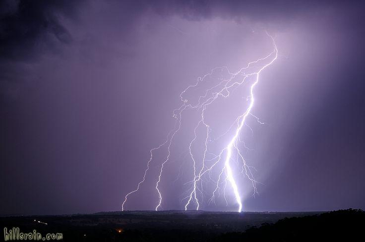 A 2014 summer lightning storm by hillsrain.com