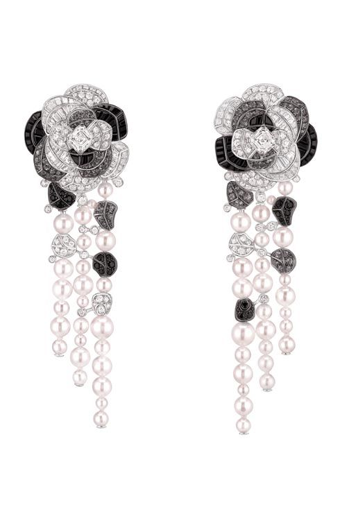Contraste de Camélia earrings in 18K white gold, diamonds, grey sapphires, black spinels and cultured pearls  :: Chanel fine jewellery