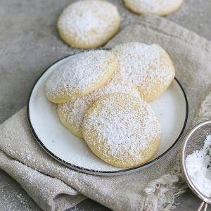 Einfache Cheesecake Cookies mit viel Zitrone. Lecker und erfrischend.