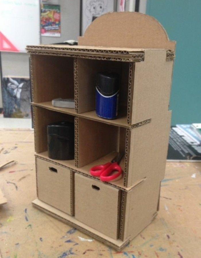 1001 Ideen Fur Pappmobel Zum Selbermachen Gunstig Und Kreativ Cardboardshelves Kartonmobel Regal Mit Schubladen Diy Karton Karton Mobel Karton Basteln