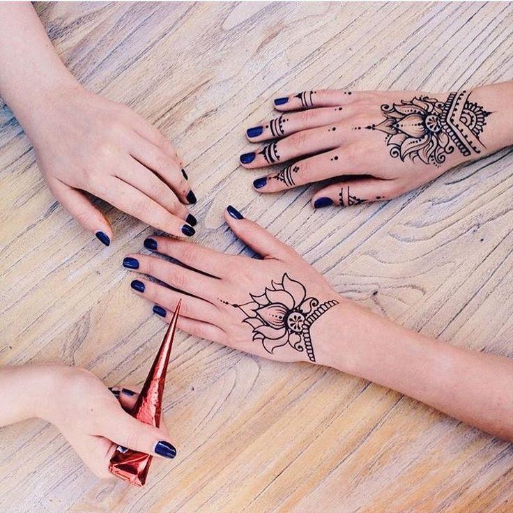 Henna @aziza_saidshah
